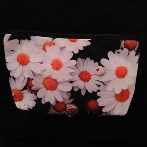 New - Cosmetic bag - Daisies